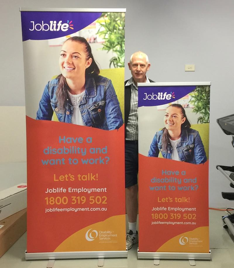 Pull up banners rwo sizes